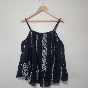 Romeo & Juliet black embroidered top size medium